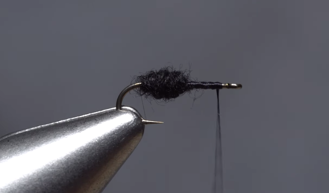 Tying the Travis Para-Ant for later-summer trout